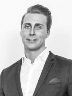 Ansvarig mäklare Freddy Yström
