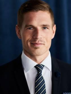 Ansvarig mäklare Mikael Blom