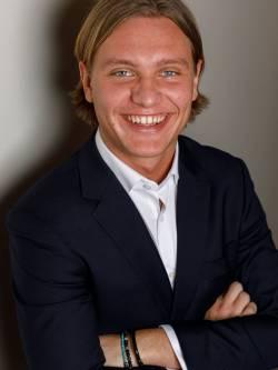 Ansvarig mäklare Viktor Göranzon